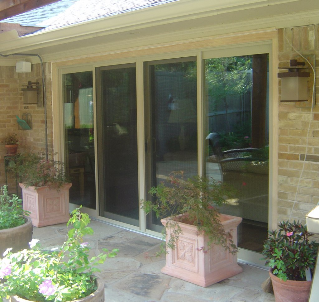 Vinyl Sliding Doors in Richardson Texas.  This replacement door is one of the best reviewed products on the market.  A great pick for the Dallas area.