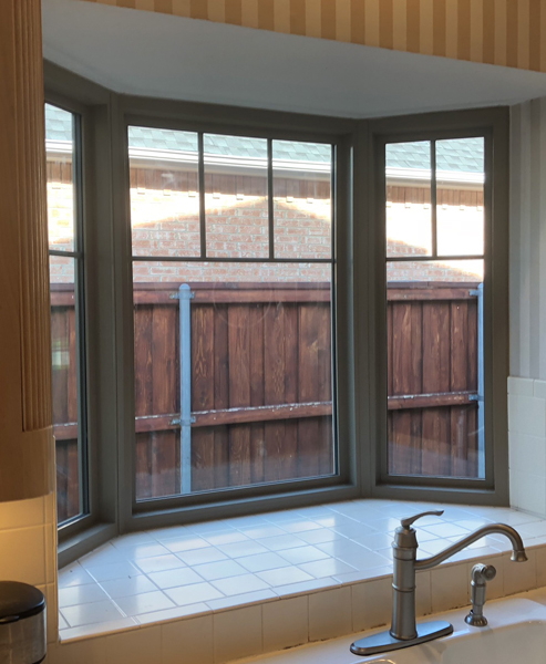 Alside Mezzo Single Hung Replacement Windows as Picture Windows in a Bay window above the sink