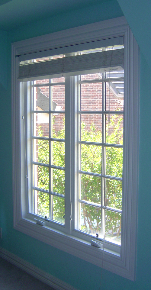 Jeldwen Wood Casement Replacement Windows with Simulated Divided Lites in Dallas Texas