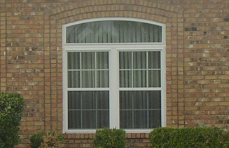 Single Hung Mezzo Vinyl Windows in a triple configuration